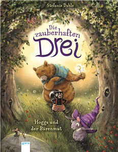 The Enchanting Three (1). Hoggs and Bear Courage